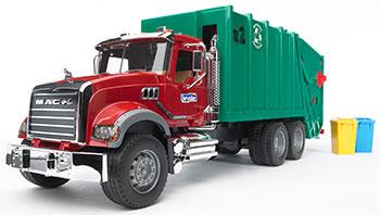 Мусоровоз Bruder MACK (зелёный фургон красная кабина) 02-812 машины bruder мусоровоз mack 02 812