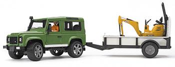 Внедорожник Land Rover Defender Bruder c прицепом-платформой гусеничным мини экскаватором 80 02-593 bruder внедорожник land rover defender station wagon пожарный с фигуркой 02 596