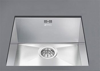Кухонная мойка Smeg VSTQ 40-2 кухонная мойка smeg lgm 861 d 2