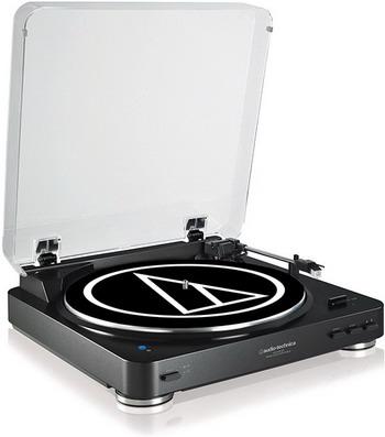 цена на Проигрыватель виниловых дисков Audio-Technica AT-LP 60 BK-BT черный