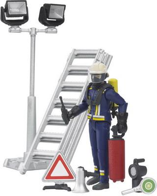 Фигурка пожарного с аксессуарами Bruder 62-700