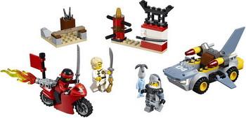 Конструктор Lego JUNIORS Нападение акулы 10739