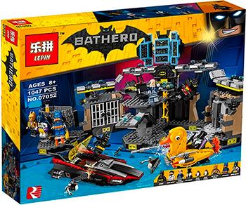 Конструктор Lego BATMAN MOVIE ''Нападение на Бэтпещеру'' 70909-L конструкторы lego lego разрушительное нападение двуликого batman movie 70915