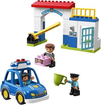 Конструктор Lego Полицейский участок 10902 конструктор lego city police 60174 полицейский участок в горах