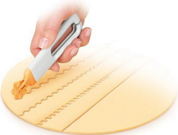 Колесико с 4 ножами Tescoma DELICIA 630019 цена и фото