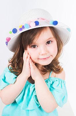 цена Шляпка Vintage Горошинка белый онлайн в 2017 году