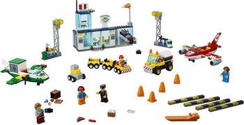 Конструктор Lego Juniors: Городской аэропорт 10764 playmobil городской аэропорт буксир самолета с наземной командой 5396