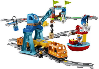 цена на Конструктор Lego DUPLO Town: Грузовой поезд 10875